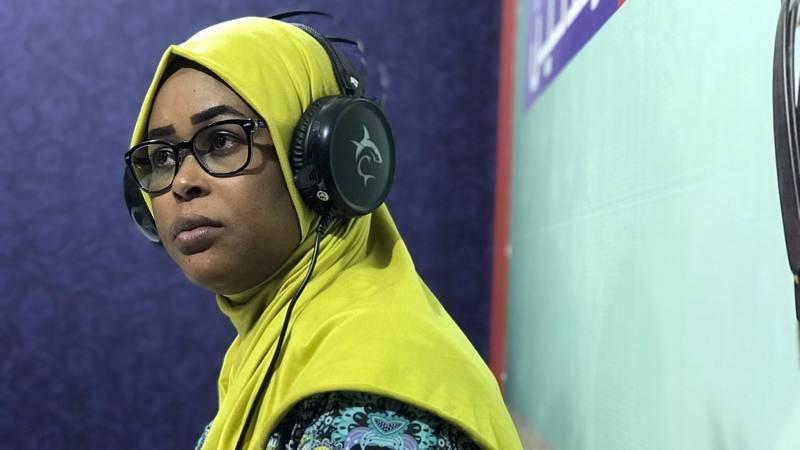 Munjida en la radio