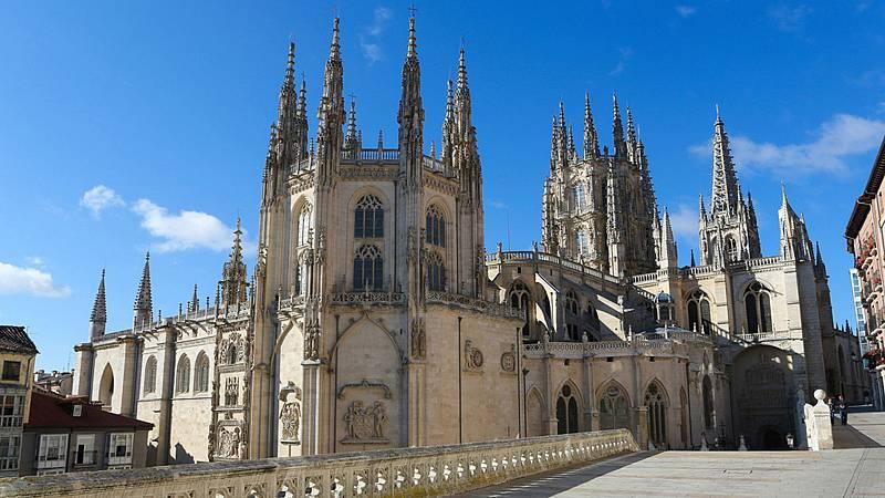 El 20 de julio de 1221 se colocó la primera piedra de laCatedral de Burgos