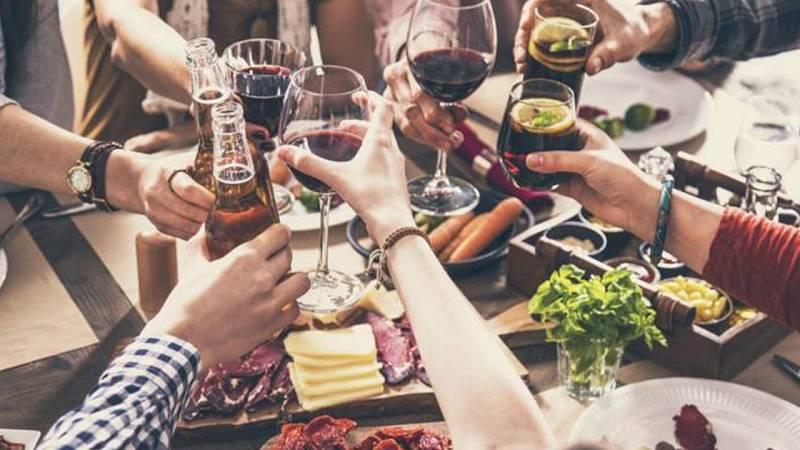 S'amplia de sis a deu les persones en taules exteriors de restaurants