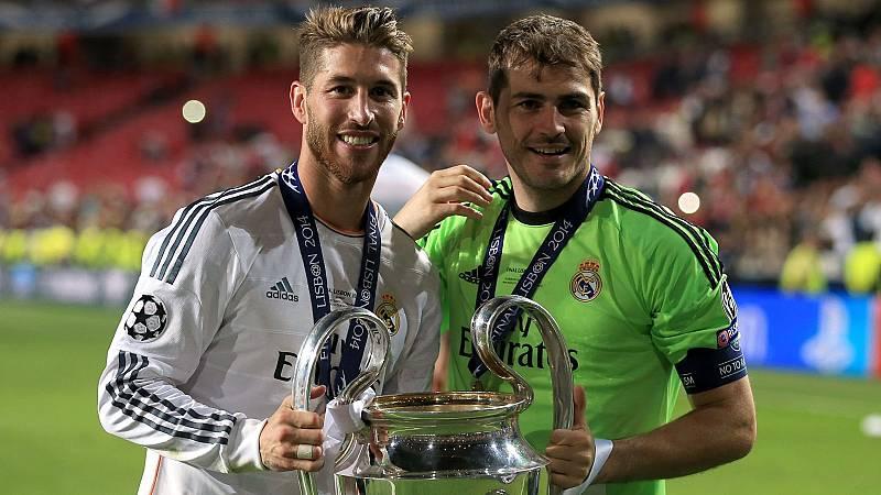 Sergio Ramos e Iker Casillas posan con 'La Décima' Champions del Real Madrid