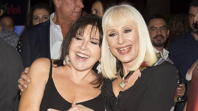 Loles León y Raffaella Carrà durante los premios World Pride 2017