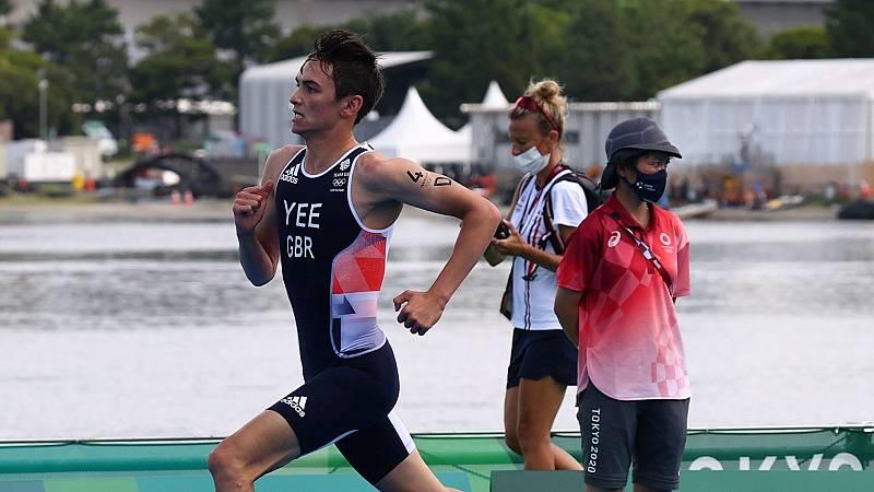 Alex Yee durante la prueba de triatlón mixto en Tokyo 2020