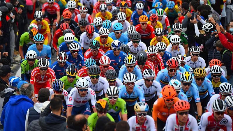 Ciclistas durante el Mundial de Imola 2020
