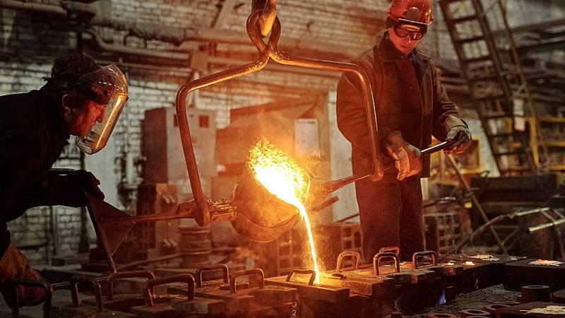 Trabajadores de la industria siderúrgica