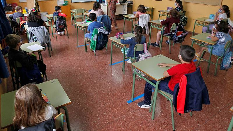 Alumnos de Primaria en un colegio de Oviedo en el comienzo del curso, en una imagen de archivo