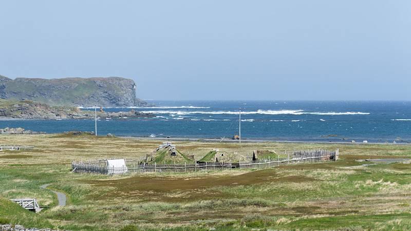 Imagen de archivo del asentamiento arqueológico vikingo deL'Anse aux Meadows (Terranova, Canadá).