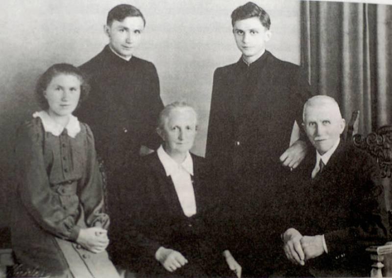 La familia Raztinger en 1951