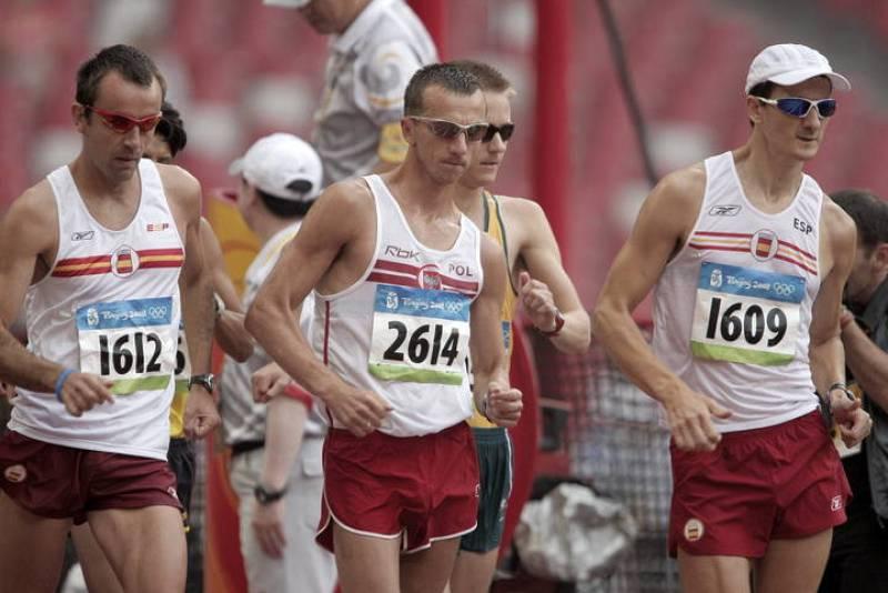 Los españoles Mikel Odriozola y Santiago Pérez han acabado decimotercero y vigésimo sexto respectivamente en los 50 kilómetros marcha.