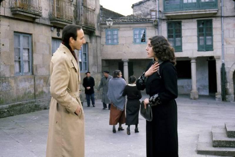 Charo López y Eusebio Poncela en la piel de sus personajes, Clara Aldán y Carlos Deza.