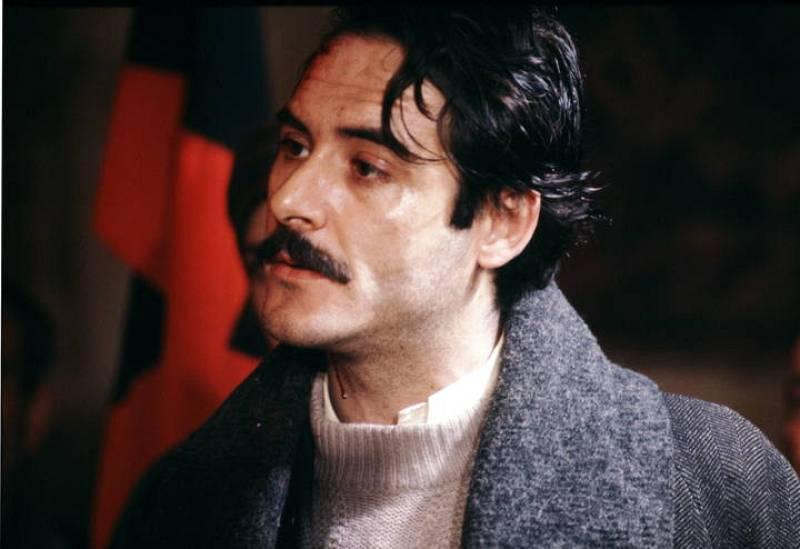 Un excepcional Santiago Ramos es el encargado de dar vida a Juan Aldán, un sindicalista comprometido con sus ideas que se enfrentará a Cayetano Salgado.