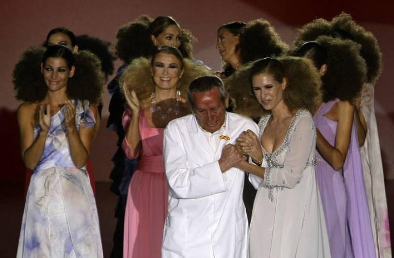 Homenaje a Elio Berhanyer en Madrid Cibeles Fashion Week