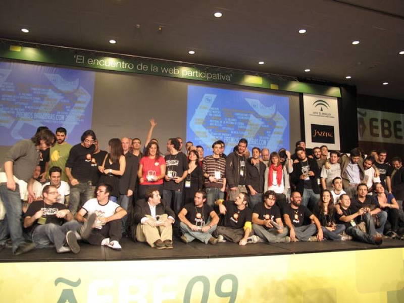 Los finalistas y ganadores de los Premios Bitácoras 2009 en el escenario del EBE.