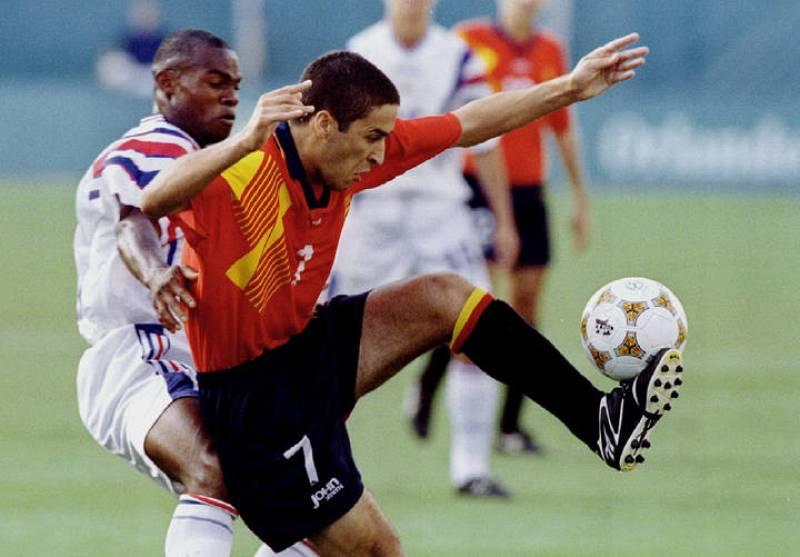 Raúl controla el balón en un partido de la primera ronda de la competición olímpica de fútbol el 22 de julio.