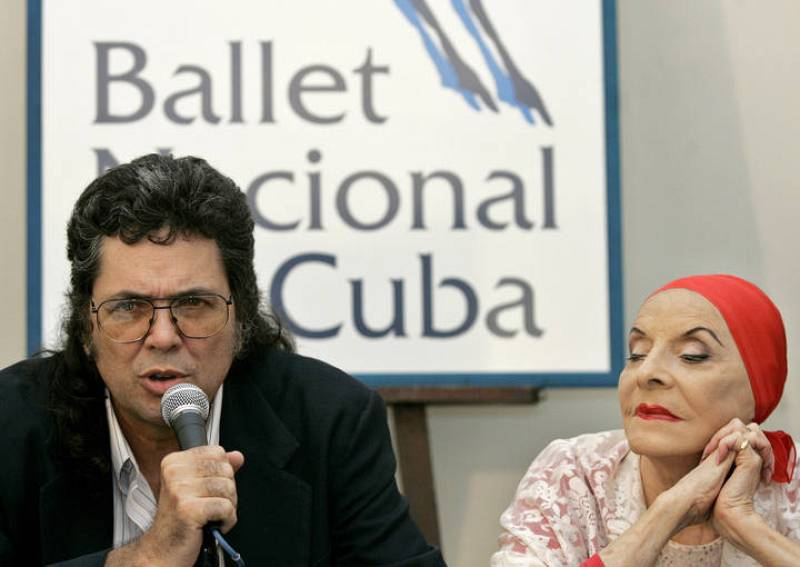 Prieto speaks as Alonso listens during a news conference for the 60th anniversary of the Cuban Ballet in Havana