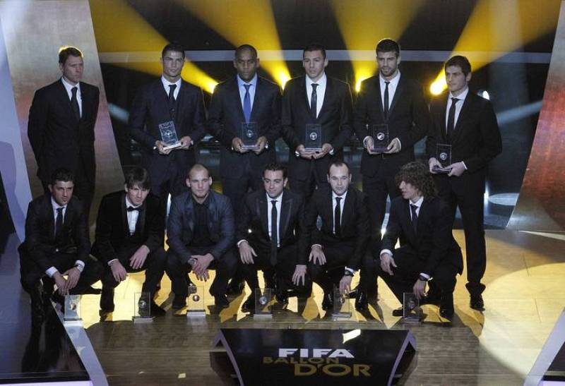 FIFA FIFPro World XI award 2010 winners pose during the FIFA Ballon d'Or 2010 soccer awards ceremony in Zurich