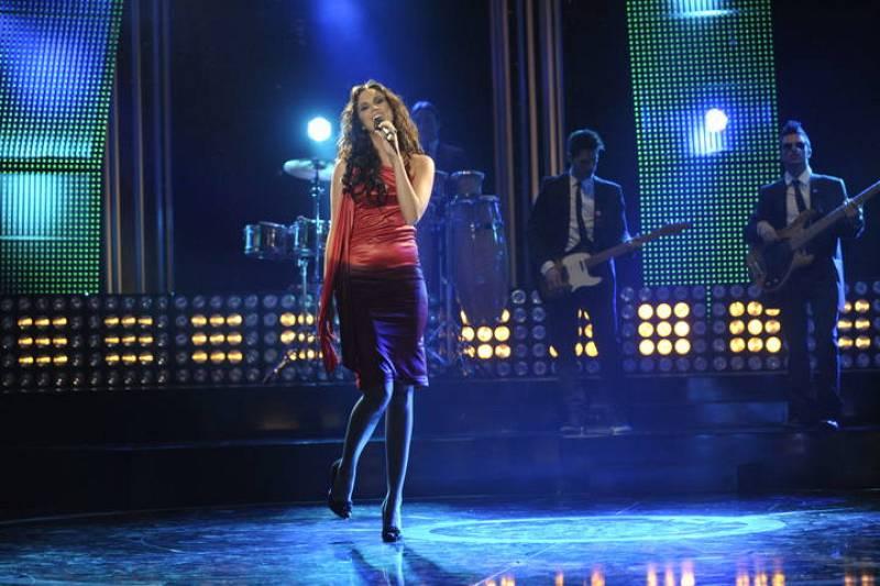 """Melissa durante su actuación cantando """"Sueños Rotos"""""""