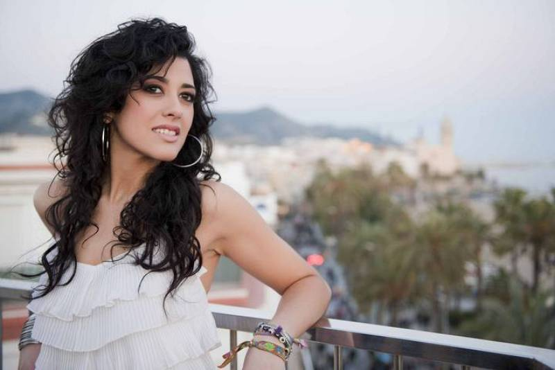 """La cantante ha grabado el videoclip de """"Que me quiten lo bailao"""" en Sitges, coincidiendo con la celebración del carnaval."""