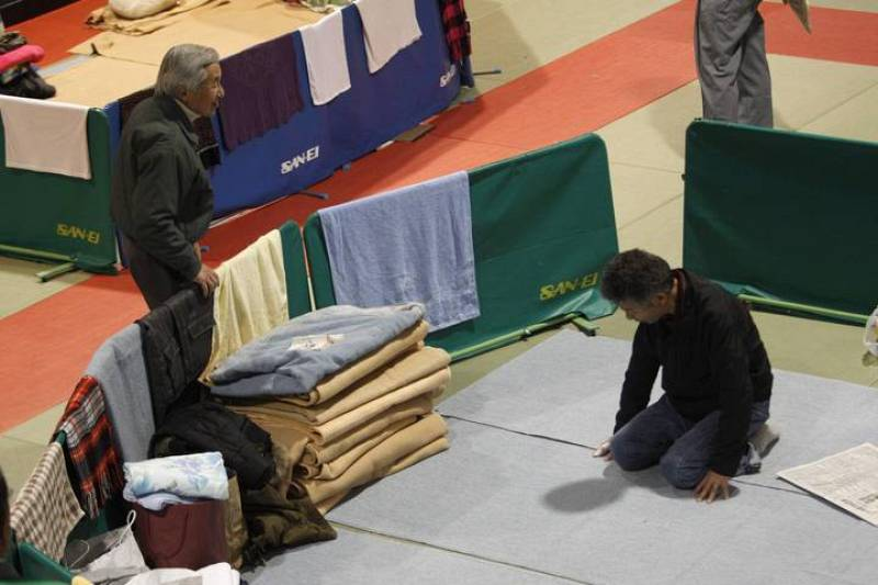 """Akihito se ha mostrado en los últimos días """"profundamente preocupado"""" por la situación de la planta nuclear de Fukushima y por los que han tenido que dejar sus casas"""