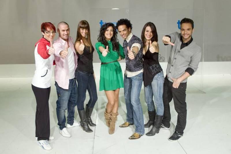 Lucía Pérez, junto a los bailarines con los que compartirá escenario en Düsseldorf