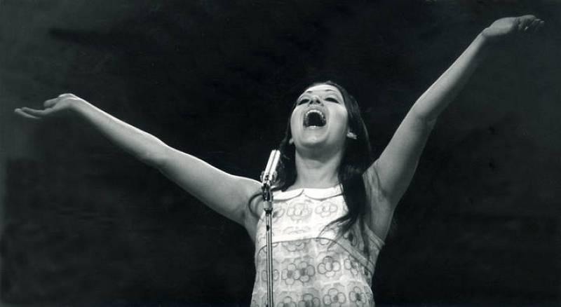 La cantante, durante su actuación en el escenario del Royal Albert Hall londinense