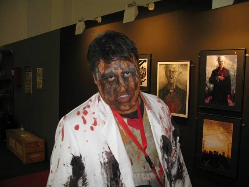 Un zombi en el Salón del Cómic de Barcelona