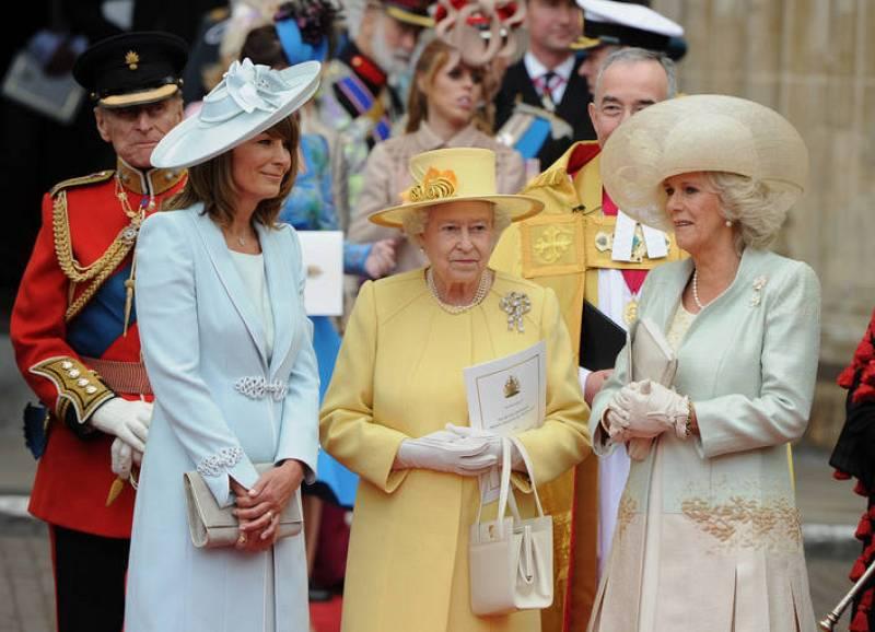 La reina Isabel II, Carole Middleton (madre de Catalina) y Camila, duquesa de Cornualles.
