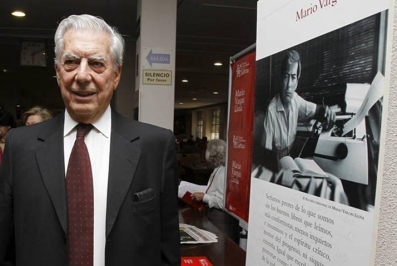 El escritor peruano Mario Vargas Llosa