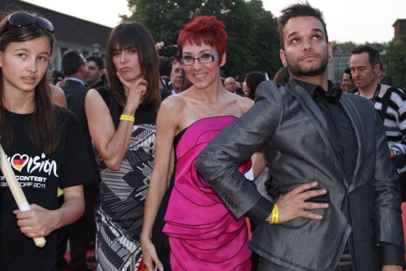 Sandra, Lola y Nito, posando ante la cámara de Rtve.es