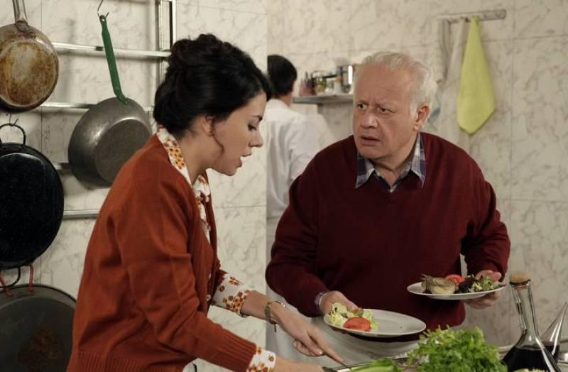 Paquita empieza a preocuparse por Miguel, ya que le encuentra mayor. Cuéntame cómo pasó