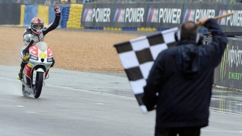 El francés Louis Rossi pudo ser profeta en su tierra venciendo la carrera de Moto3.
