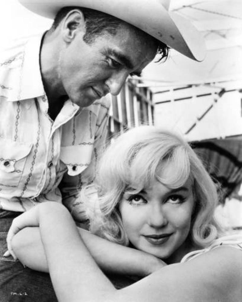 Marilyn Monroe y Montgomery Clift en 'Vidas rebeldes', 1961.