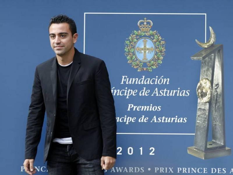 LLEGADA A OVIEDO DE XAVI HERNÁNDEZ, PREMIO PRINCIPE DE ASTURIAS DE LOS DEPORTES
