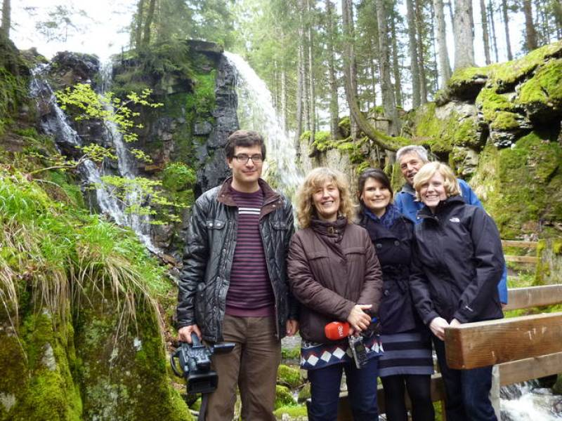Foto de grupo tras grabar en Menzenschwand. Desde la izquierda: Álvaro Soto, Esther García, Sara Rodríguez, Uwe Spittler y Katharina Bayer