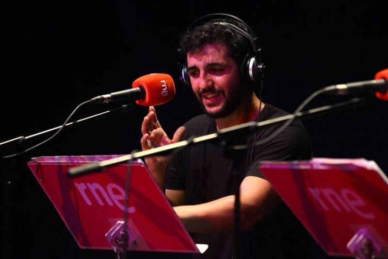 Fran Perea, durante la representación de 'Un mundo feliz' en La Casa Encendida de Madrid.