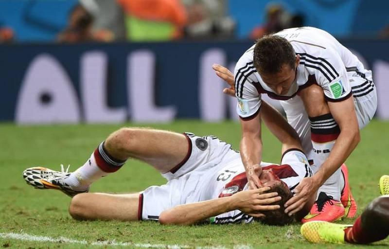 Thomas Müller se ha llevado un fuerte golpe al final del encuentro contra Ghana.