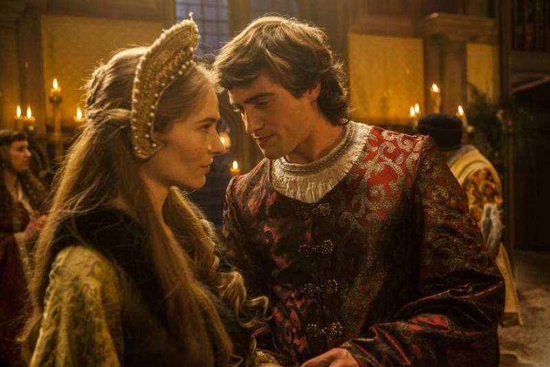 ...las mujeres son su perdición y sigue siendo conquistando a las damas más bellas de la corte sin acordarse de la fidelidad que le debe a Juana