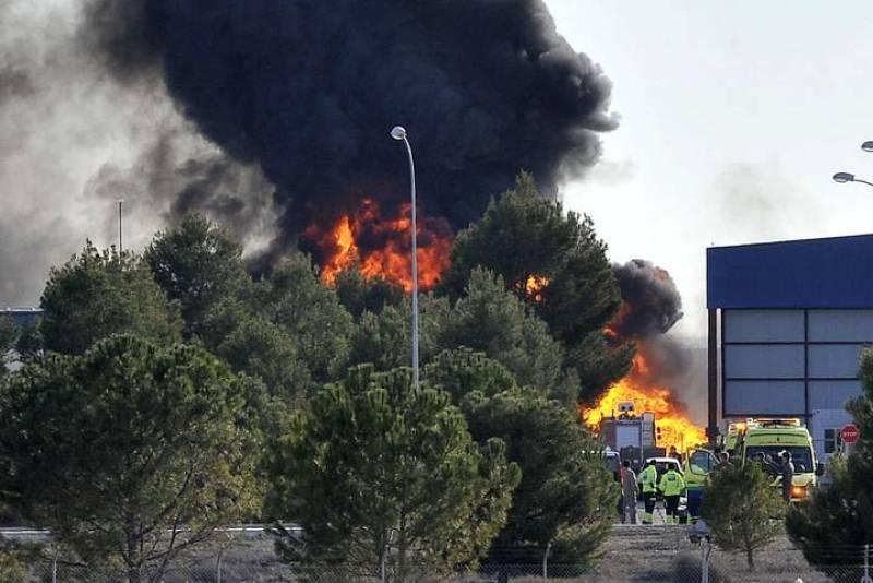 Diez personas han fallecido y otras 13 personas han resultado heridas -siete de gravedad- al estrellarse un avión F-16 griego en la base aérea de Los Llanos (Albacete), según el Ministerio de Defensa.