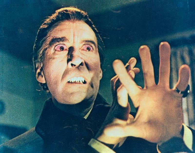 Lee se hizo famoso en su papel de Drácula