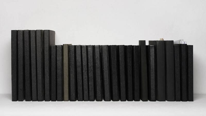 Imagen de la obra 'Libretas negras' (2008) de Ignasi Aballí