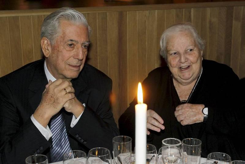 El premio Nobel de Literatura, Mario Vargas Llosa, conversa con la agente literaria de autores en español, Carmen Balcells.