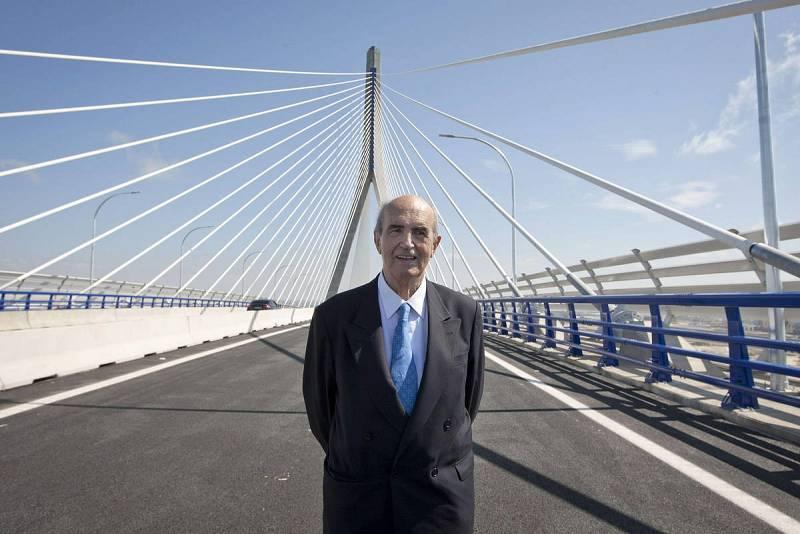 El ingeniero, Javier Manterola, que ha diseñado el puente