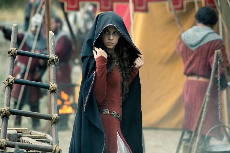 Amelia intenta descubrir lo que esconde El Cid en su tienda