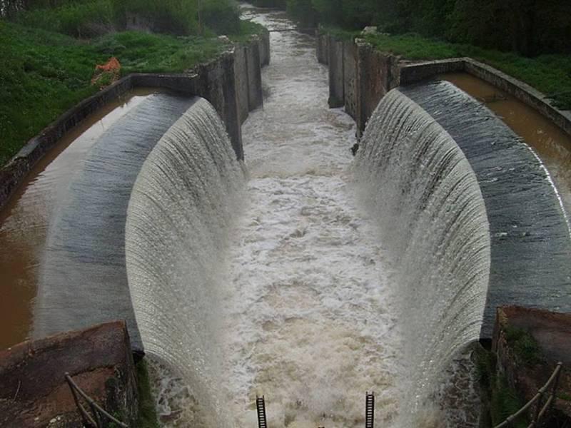 Esclusa triple de Calahorra de Ribas.