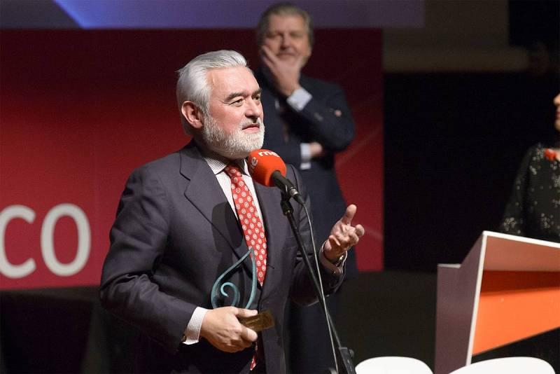 Darío Villanueva, Premio El Ojo Crítico Especial 2015.