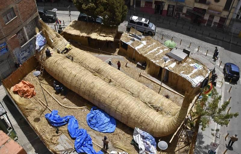El Viracocha III, un bote hecho enteramente de caña