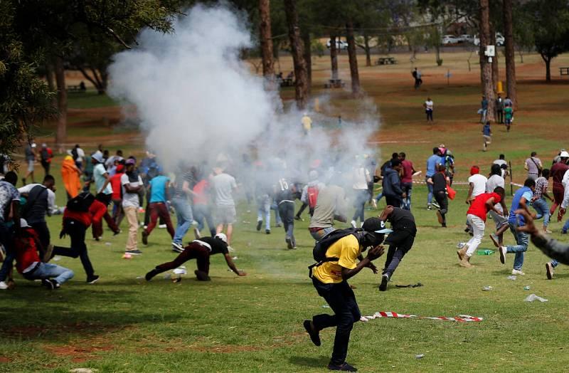 Protesta estudiantil en Sudáfrica por una educación superior gratuita