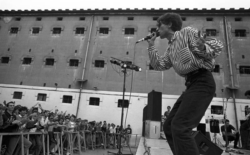 Actuación de Sabina en la cárcel Modelo de Barcelona