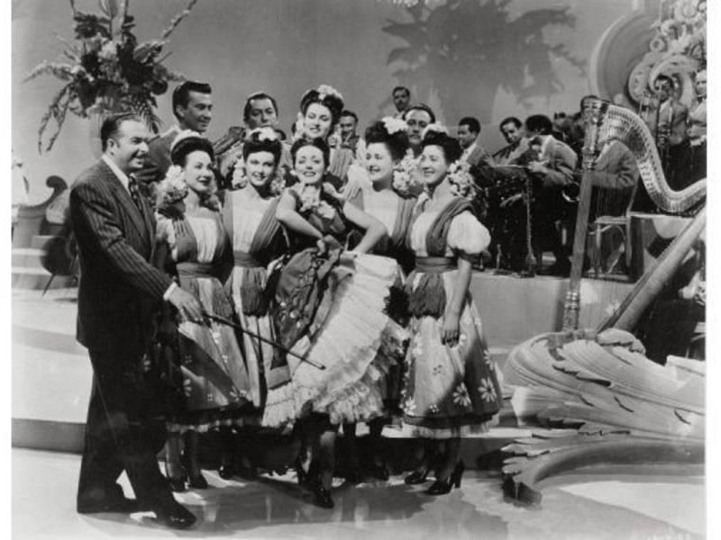 Una típica escena de baile de las películas de Xavier Cugat