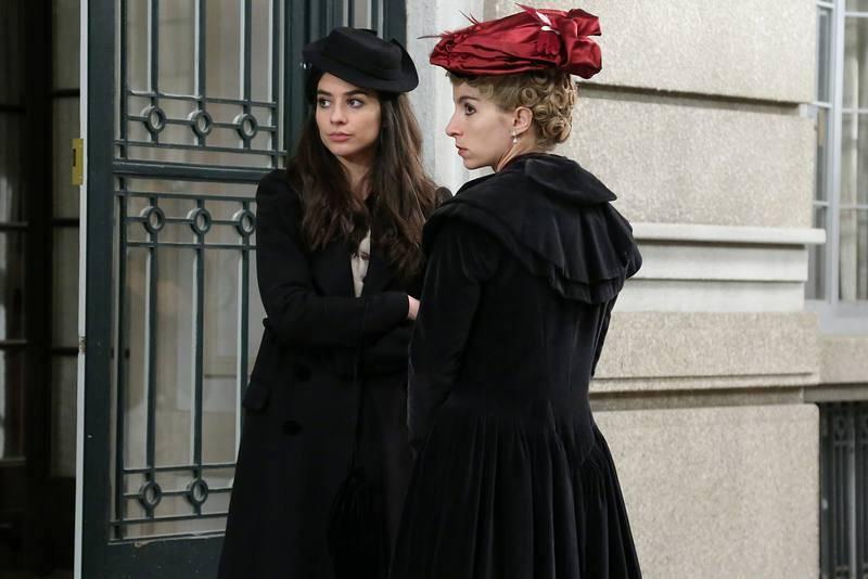 Teresa y Cayetana durante el capítulo 500 de 'Acacias 38'