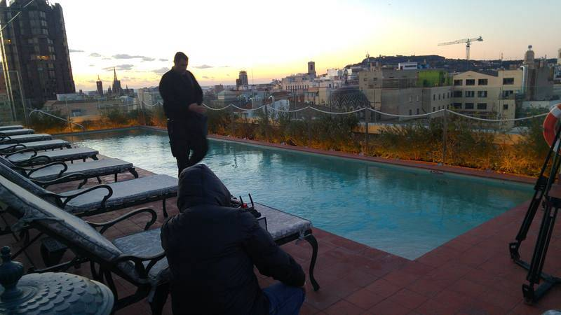 Sortida del sol a la piscina del hotel El Palace